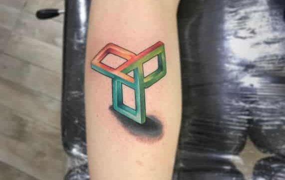 Peros Portfolio Tattooligans Tattoo Studio & Piercing (3)